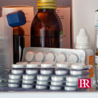 Six-Steps-to-Help-Aging-Parents-on-National-Clean-Out-Your-Medicine-Cabinet-Day